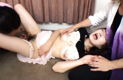 Deep pussy fucking for sexy Japanese mature hottie